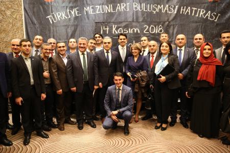 AZERBAYCANLI TÜRKİYE MEZUNLARI BİR ARAYA GELDİ