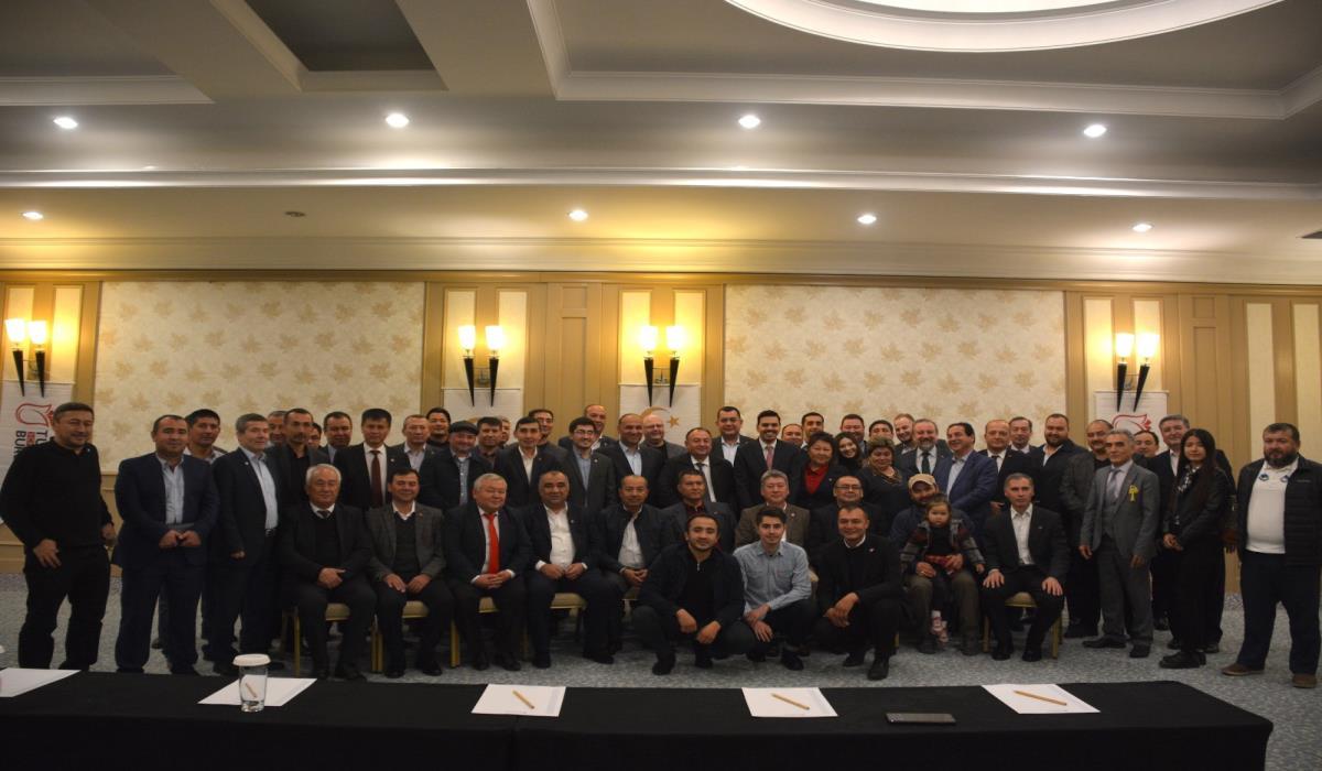 Özbekistanlı Türkiye Mezunları Taşkent'te Buluştu
