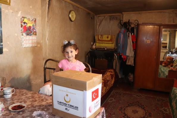 Arnavutluk Türkiye Mezunları Derneği'nden YTB Desteğiyle İhtiyaç Sahiplerine Yardım
