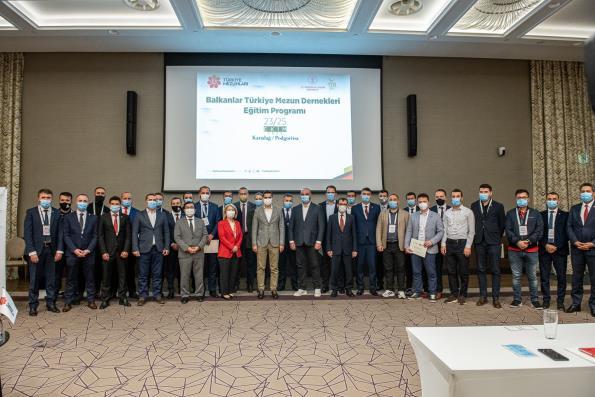 """YTB, Karadağ'da """"Balkanlar Türkiye Mezun Dernekleri Eğitim Programı"""" Düzenledi"""